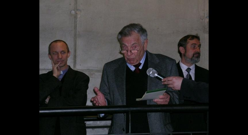 Henryk Zvi Luft podczas spotkani w muzeum w 2005 roku