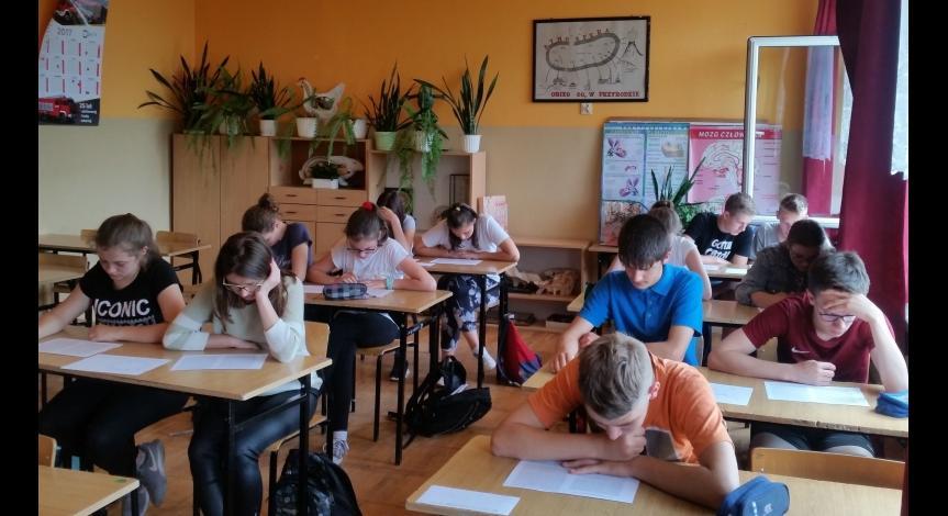 Powiększ obraz: Warsztaty w Gimnazjum im. Bohaterów Września 1939 r. w Narolu