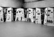 """Pokaż powiększenie powyżej:  """"Between life and death. Stories of rescue during the Holocaust"""" - anglojęzyczna wystawa w Muzeum i Miejscu Pamięci w Bełżcu"""