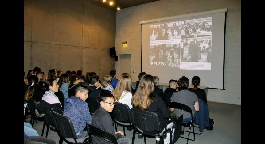 Powiększ obraz: 79. rocznica eksterminacji Romów i Sinti w obozie pracy w Bełżcu