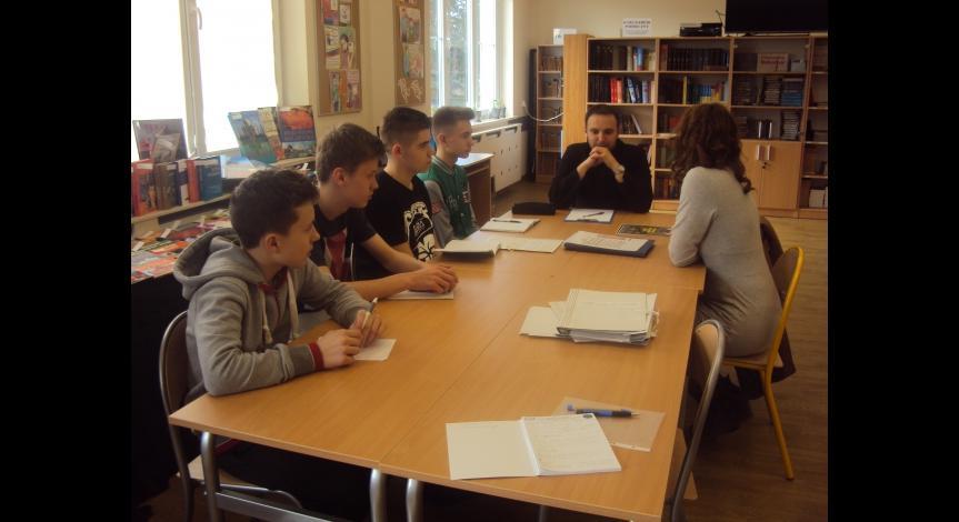 Powiększ obraz: Spotkanie z młodzieżą