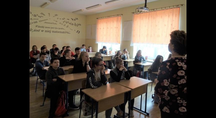 Powiększ obraz: Zajęcia edukacyjne w SP w Łukawicy z okazji Europejskiego Dnia Pamięci o Sprawiedliwych