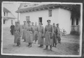 Pokaż powiększenie powyżej: Esesmani z załogi obozu zagłady w Bełżcu
