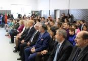 Pokaż powiększenie powyżej: Uroczystości upamiętniające Romów i Sinti