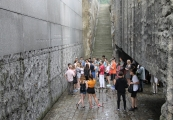 Pokaż powiększenie powyżej: Narodowy Dzień Pamięci Ofiar Niemieckich Nazistowskich Obozów Koncentracyjnych i Obozów Zagłady.