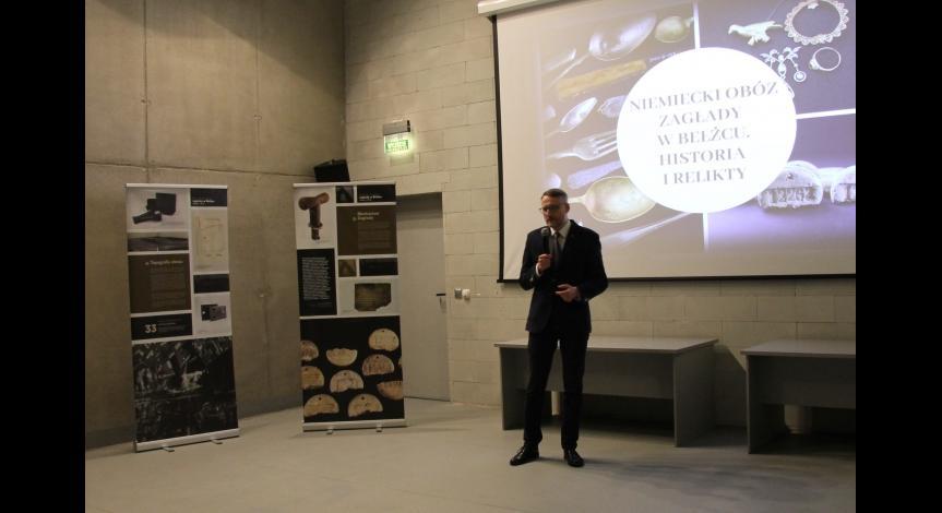 Powiększ obraz: Obchody Międzynarodowego Dnia Pamięci o Ofiarach Holokaustu