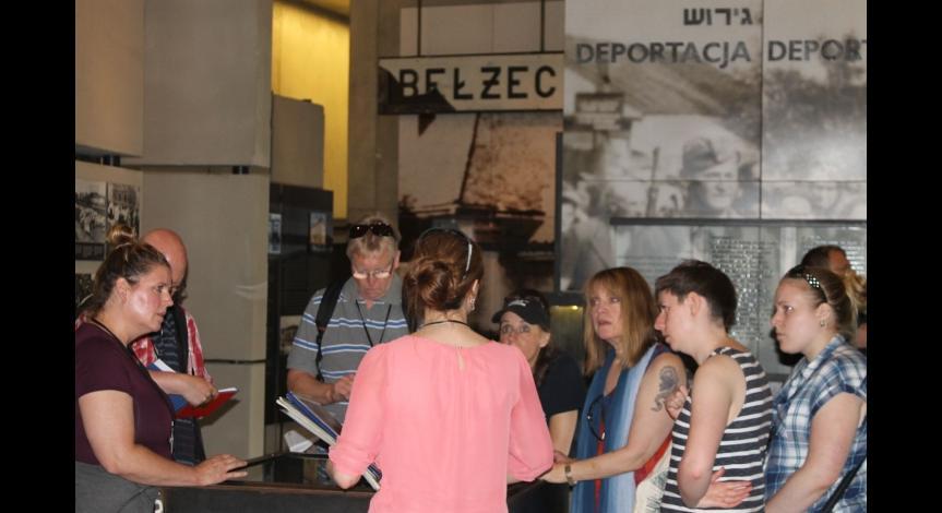 Powiększ obraz: Międzynarodowa Akademia Letnia w Bełżcu