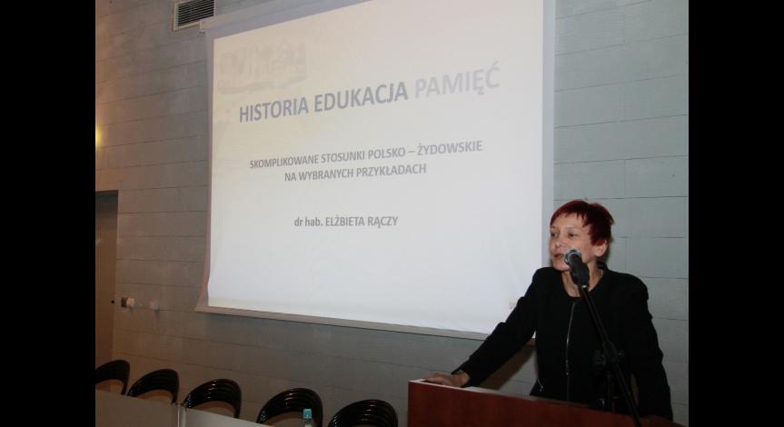 """Powiększ obraz: I Seminarium """"Historia-Edukacja-Pamięć"""", dr hab. Elżbieta Rączy"""