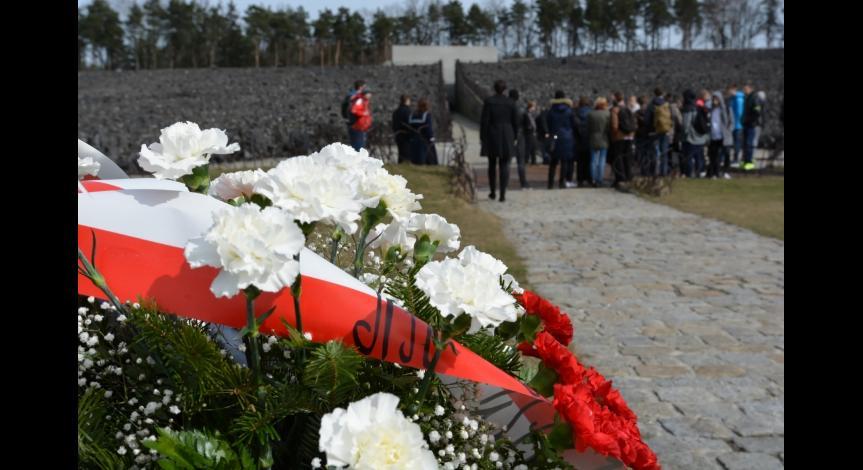 Powiększ obraz: 75. rocznica pierwszych deportacji Żydów do obozu zagłady w Bełżcu