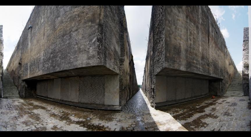 Bełżec. Upamiętnienie z 2004 roku