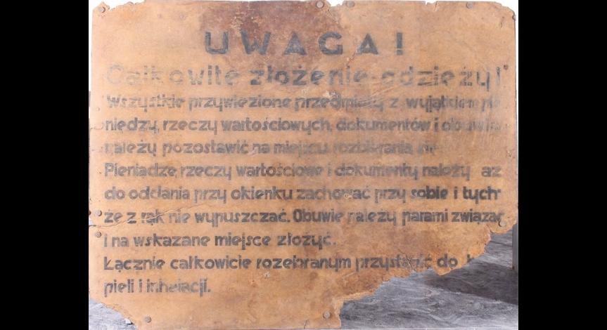 Tablica do baraku przebieralni obozu w Bełżcu